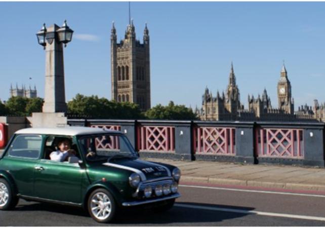 Photo Londres en Mini le long de la Tamise