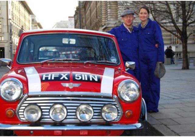 Londres en Mini sur le thème du film 'Braquage à l'Italienne' (The Italian Job) - Londres -