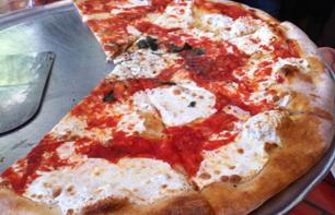 Pizza Tour: discover Brooklyn by bus and sample pizzas