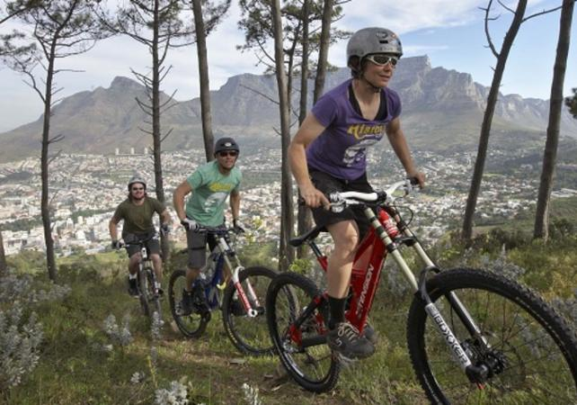 Photo Activité sportive : descente de Table Mountain en VTT