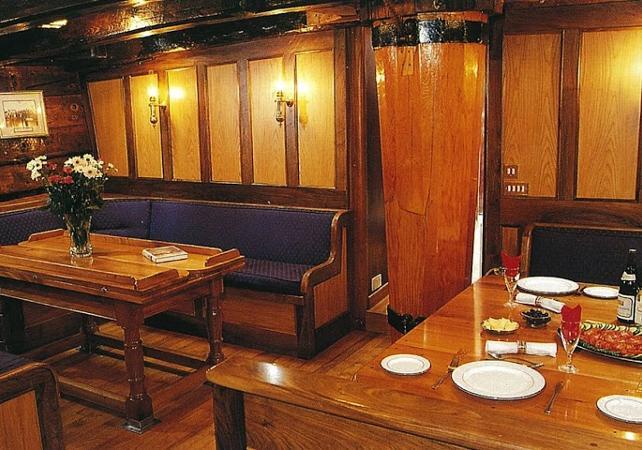 """Déjeuner-croisière sur un voilier de 1850 et visite guidée de l'île prison """"Goat Island"""" à Sydney image 4"""