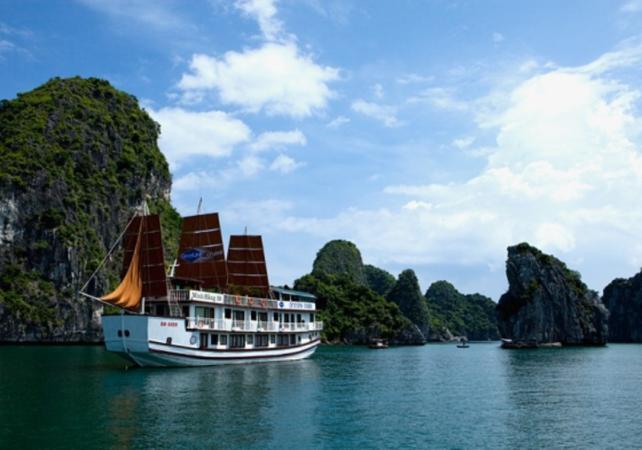 Croisière de 2 jours dans la baie d'Halong – transport depuis Hanoï inclus - Hanoï -