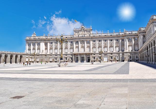 Photo Citytour de Madrid en bus et visite guidée du Palais Royal