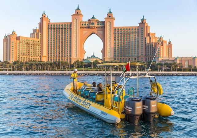 speed boat devant l'atlantis à Dubai