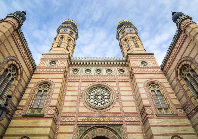 Tour guidé du quartier juif de Budapest et dégustation de spécialités hongroises - Budapest - Ceetiz