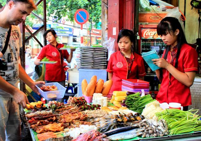 Visite de Hanoï de nuit autour de la cuisine vietnamienne - dégustation incluse - Hanoï -