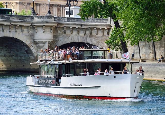 Ver la ciudad,City tours,Gastronomía,Gastronomy,Visitas en barco o acuáticas,Cruises, sailing & water tours,Comidas y cenas especiales,Special lunch and dinner,Crucero por el Sena,Sólo el crucero