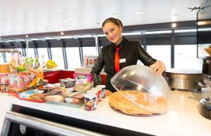 Seine River Cruise – Crêpe & Drink Package