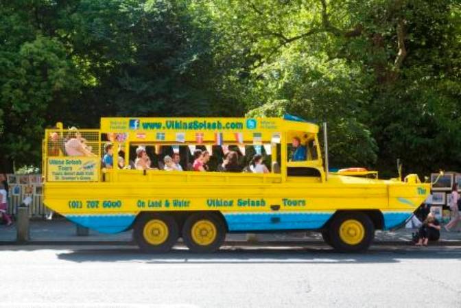 Ver la ciudad,Visitas en barco o acuáticas,Visitas en otros vehículos,Tour por Dublin,Tour en autobús,Bus turístico,Con Barco Vikingo