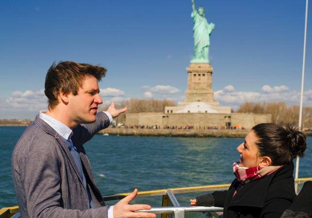 Ver la ciudad,City tours,Visitas en barco o acuáticas,Cruises, sailing & water tours,Estatua de la Libertad y crucero a Ellis Island,Statue of Liberty and Ellis Island Cruises,Con visita al pedestal