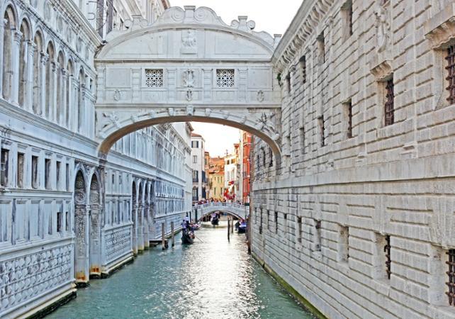 Visite guidée de Venise à pied, billet coupe-file pour la Basilique Saint Marc et balade en gondole - Venise -