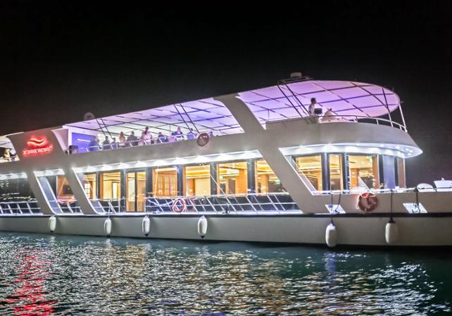 Photo Dîner croisière sur un yacht à Dubai